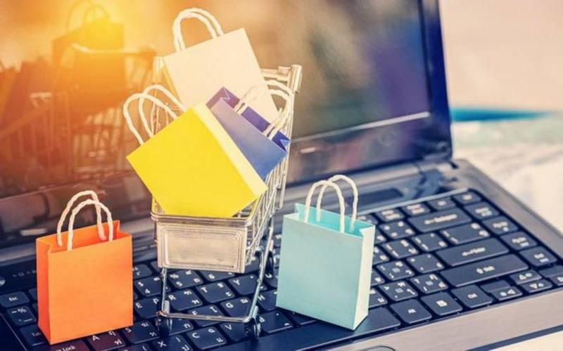 Интернет-аукцион: Риск и выгода покупки одежды и обуви