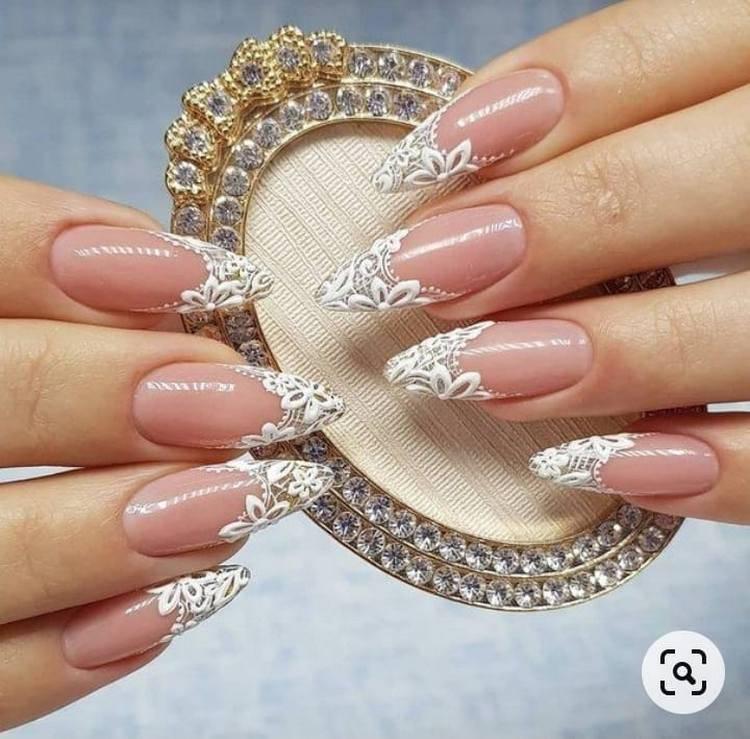 Свадебные ногти с лепкой