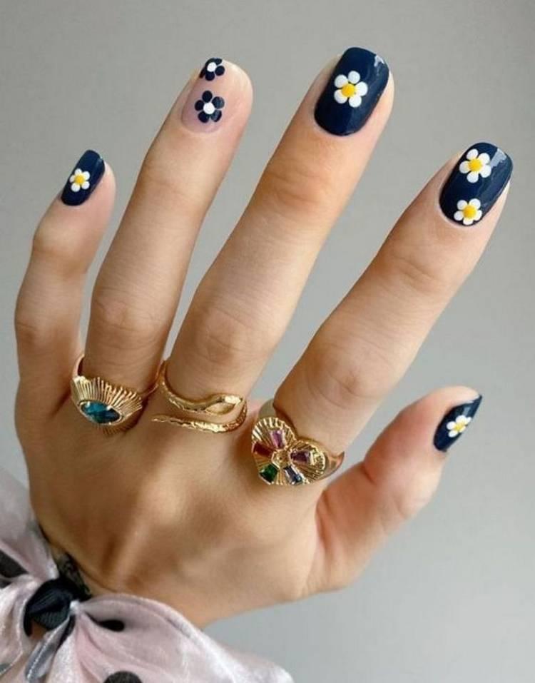 Лучшие рисунки цветов на ногтях