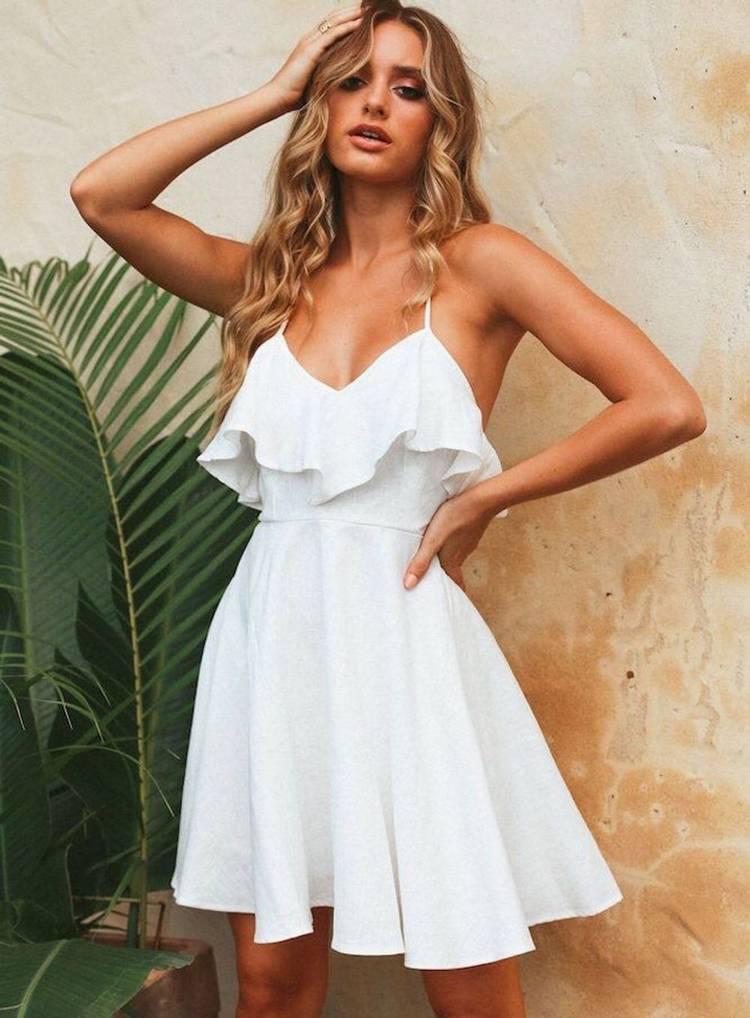 Топы и летние платья с воланами