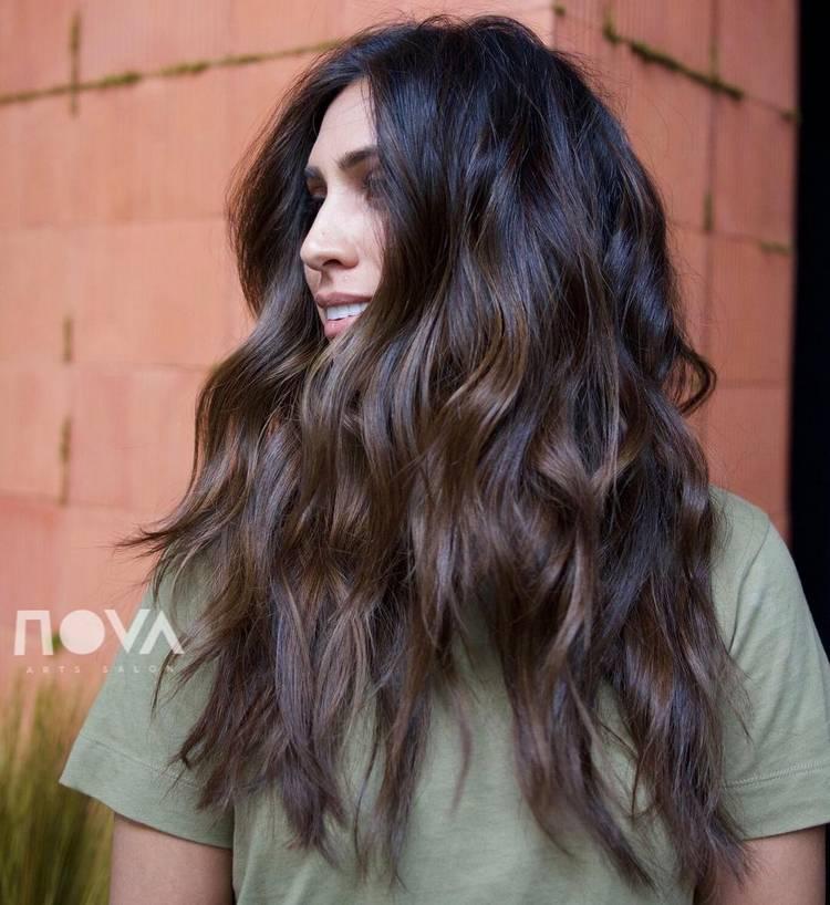 Модные стрижки каскадом на длинные волосы