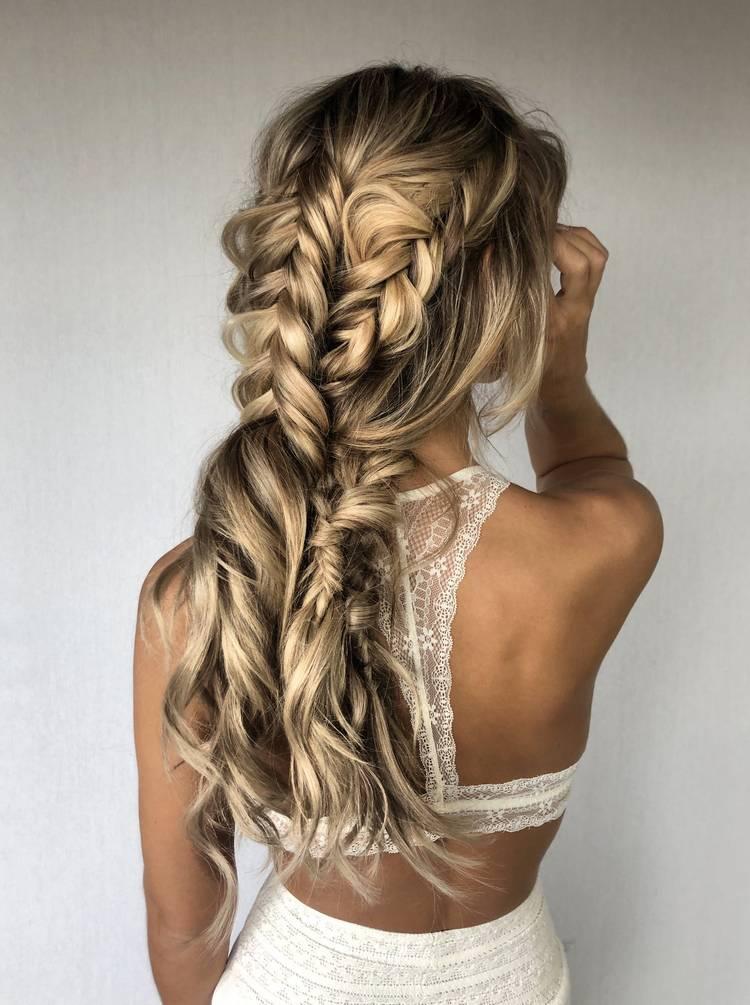 Прически с косами на длинные волосы 2021