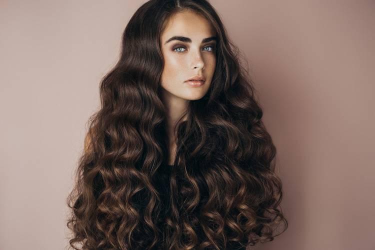 Как укладывать длинные волосы?