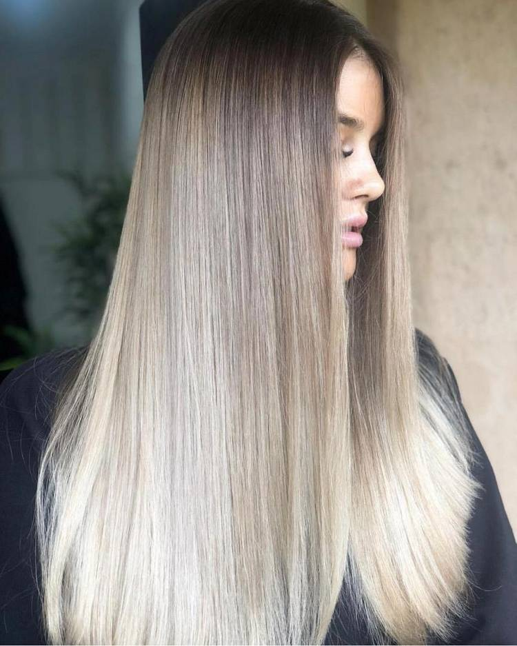 Прямые прически на длинные волосы