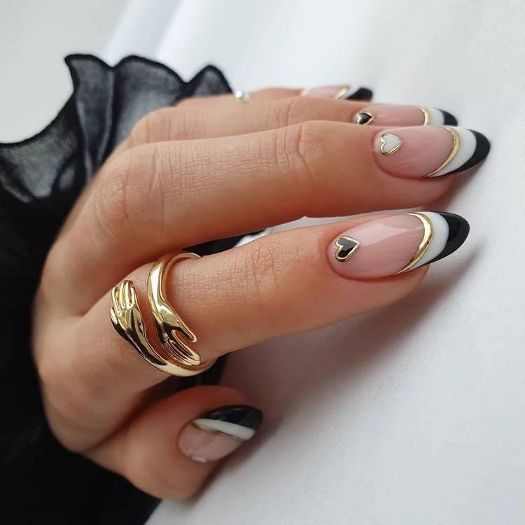 Зимний френч на коротких ногтях