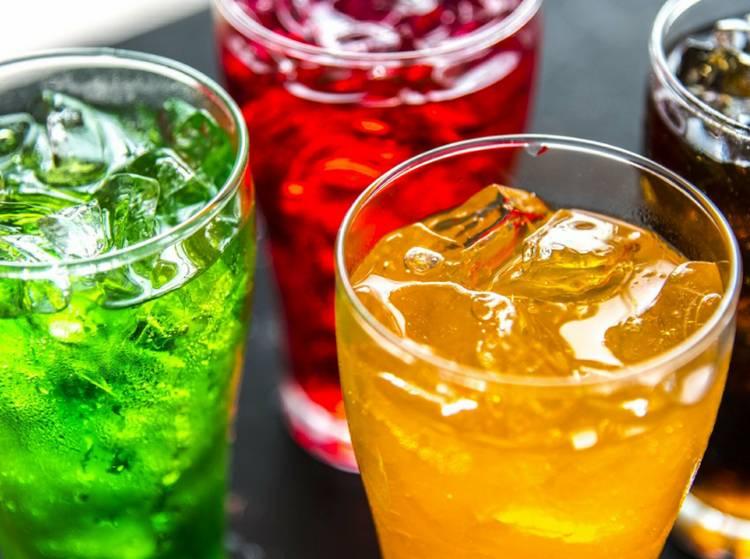 Почему воду нельзя заменить другими напитками?
