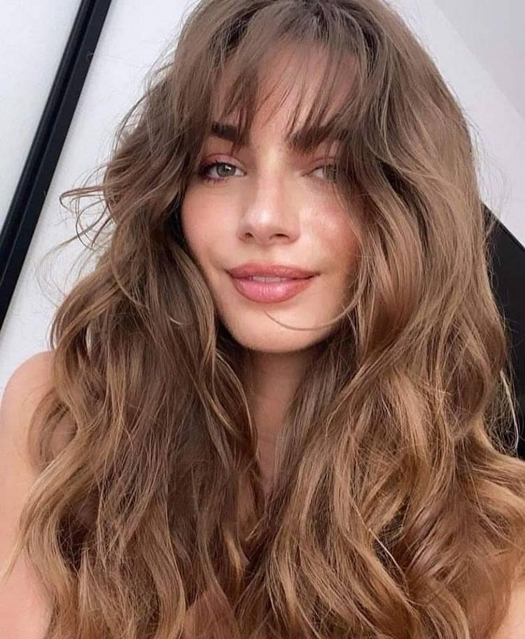 Объёмные женские стрижки на длинные волосы