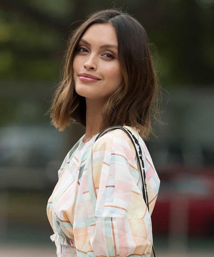 Модные стрижки для средней длины волос
